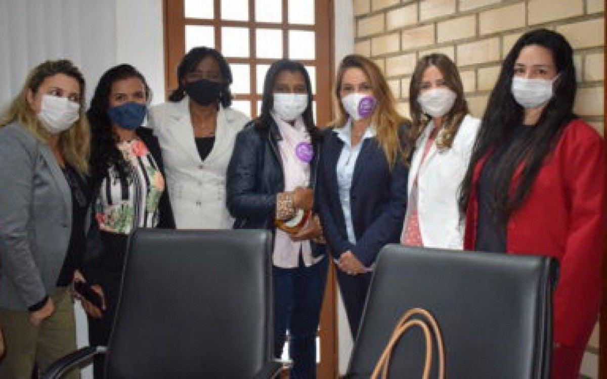 Politicas de proteção à mulher são debatidas com subsecretária estadual |  Tanguá | O Dia