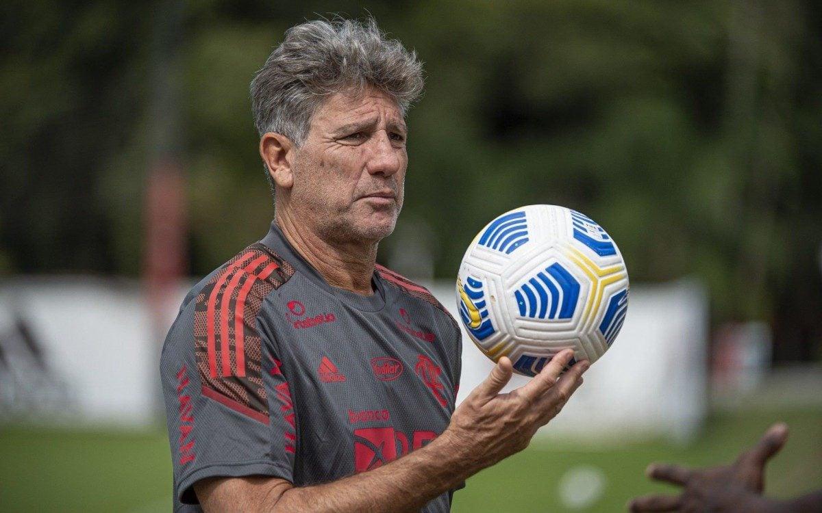 Com reservas, Flamengo enfrenta o América-MG