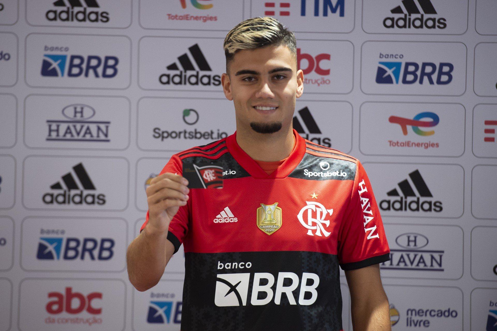 Anvisa quer punição a Andreas Pereira, do Flamengo, por não cumprimento das regras de quarentena