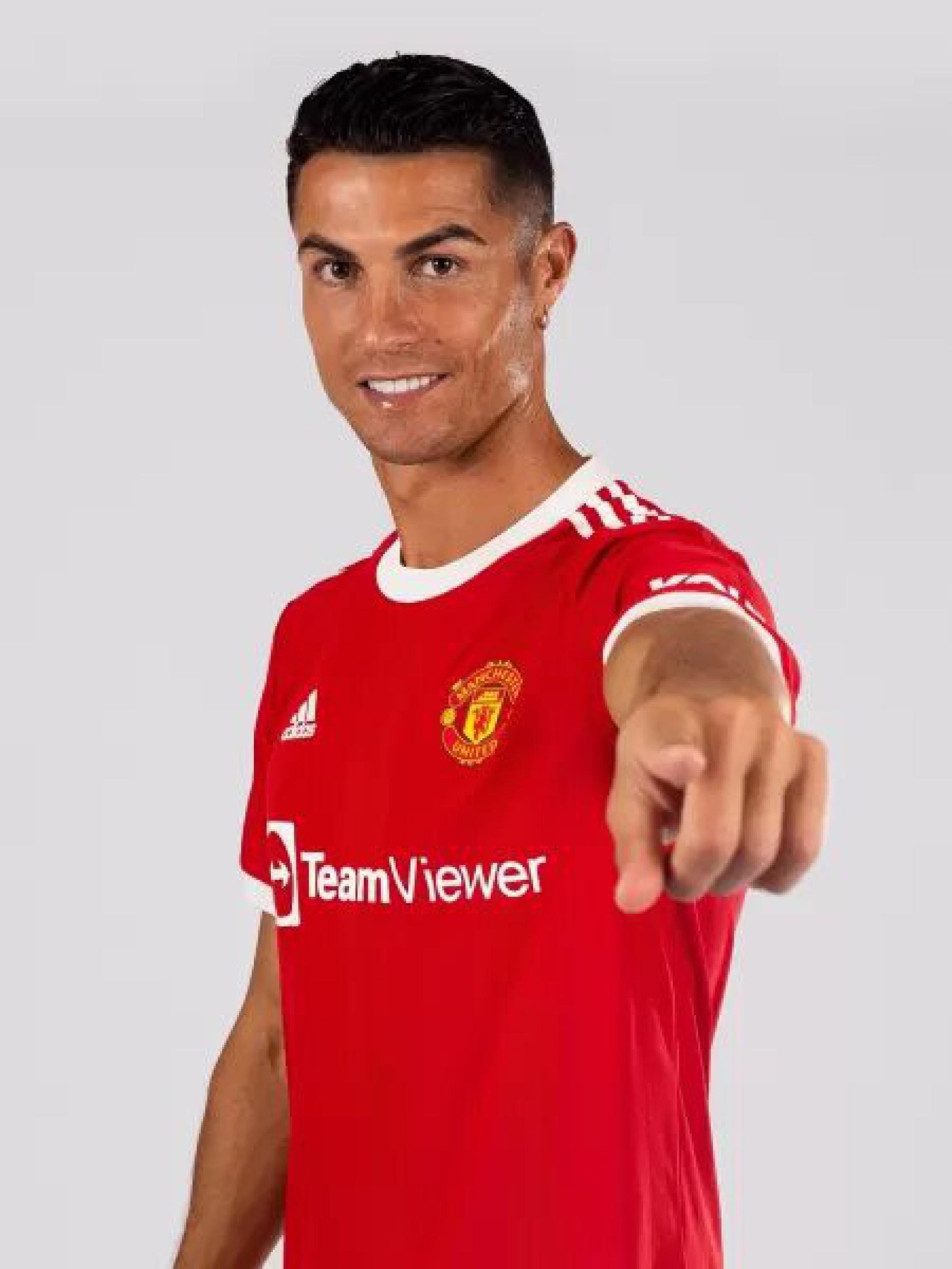 Cristiano Ronaldo se torna jogador mais bem pago do mundo, diz Forbes