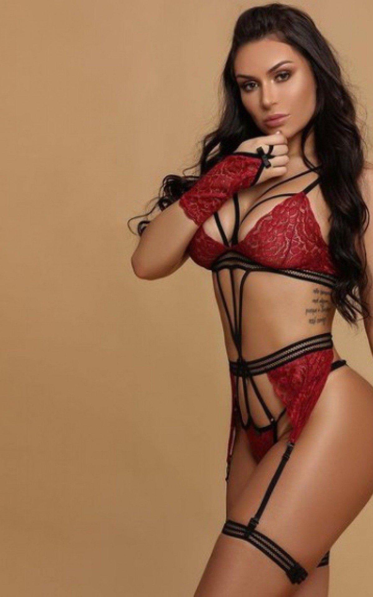 Manuela Santy faz muito sucesso com a sua beleza - Reprodução