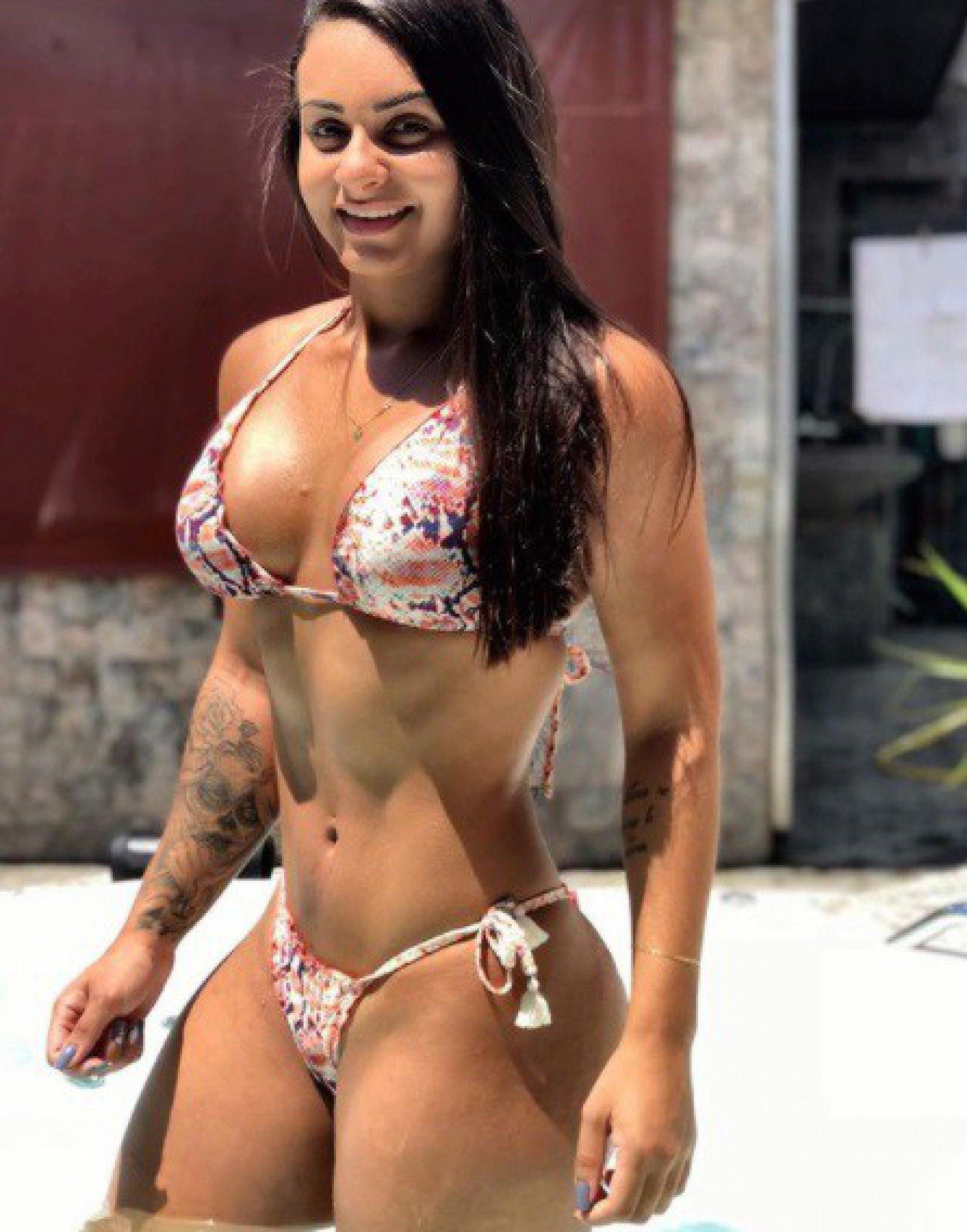 Fotos! Musa fitness exibe corpo perfeito e bomba no Instagram