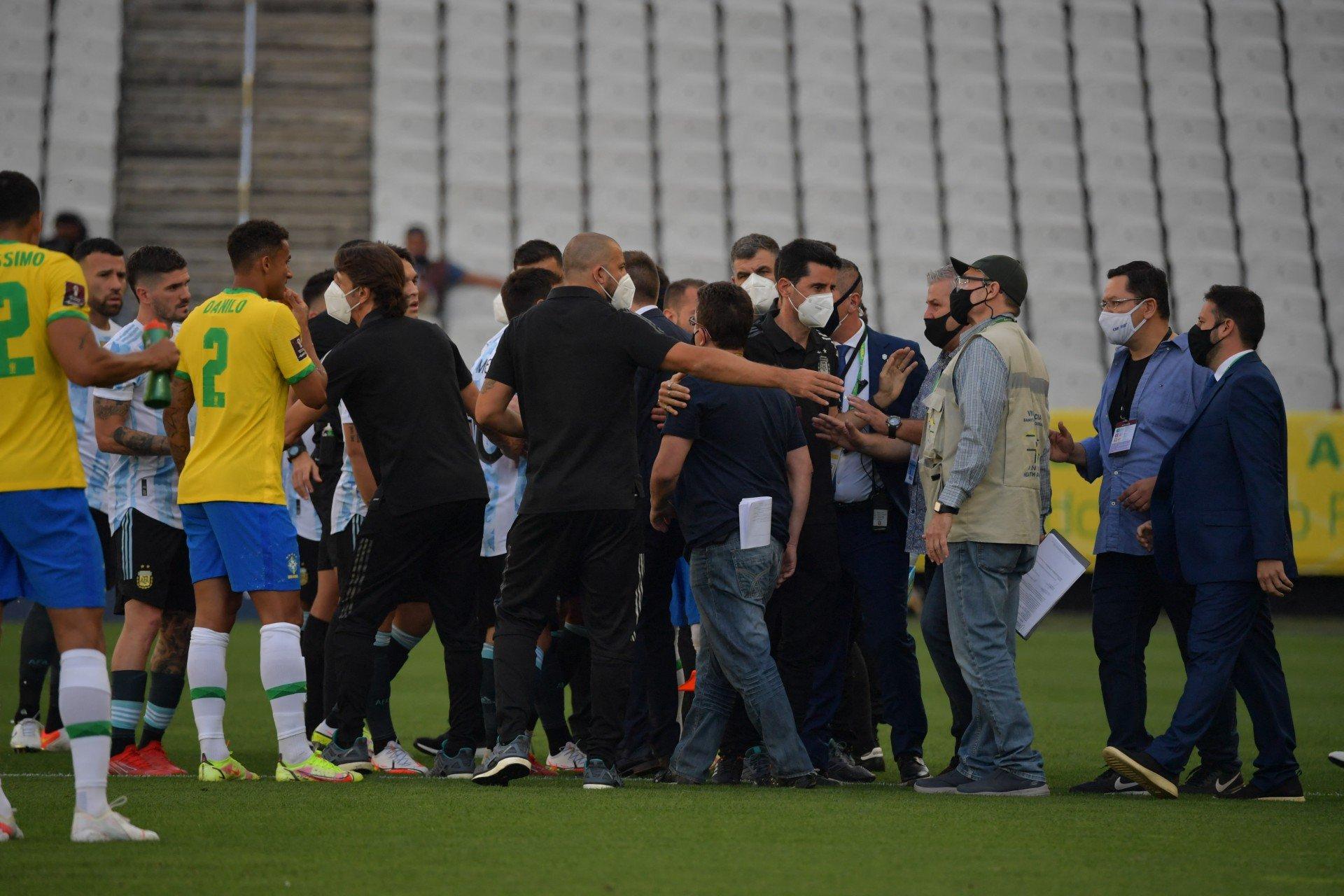 Fifa lamenta suspensão de Brasil e Argentina e avaliará caso para 'tomar decisão'