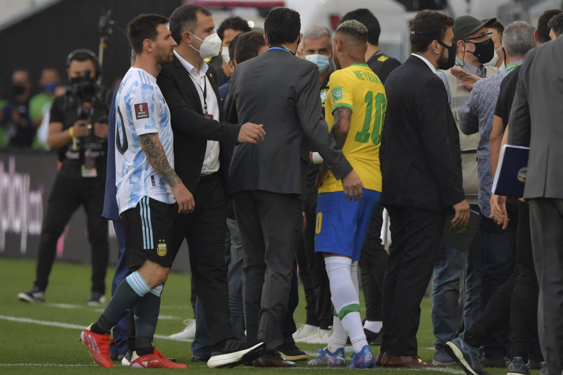 Jair Bolsonaro tentou interferir e reiniciar o duelo entre Brasil e Argentina, diz site