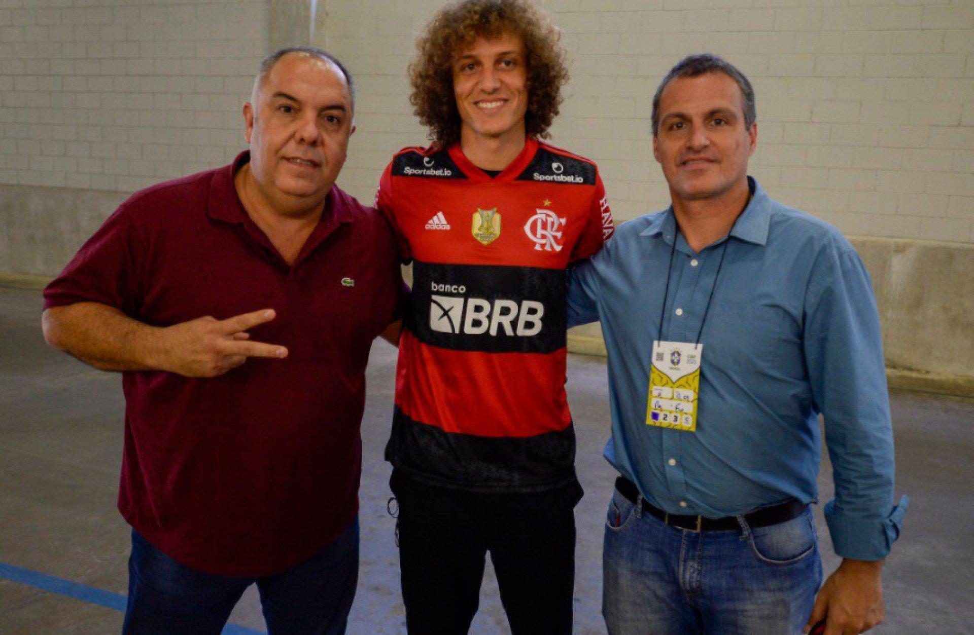 Mauro Cezar Pereira revela o que pesou na escolha de David Luiz pelo Flamengo
