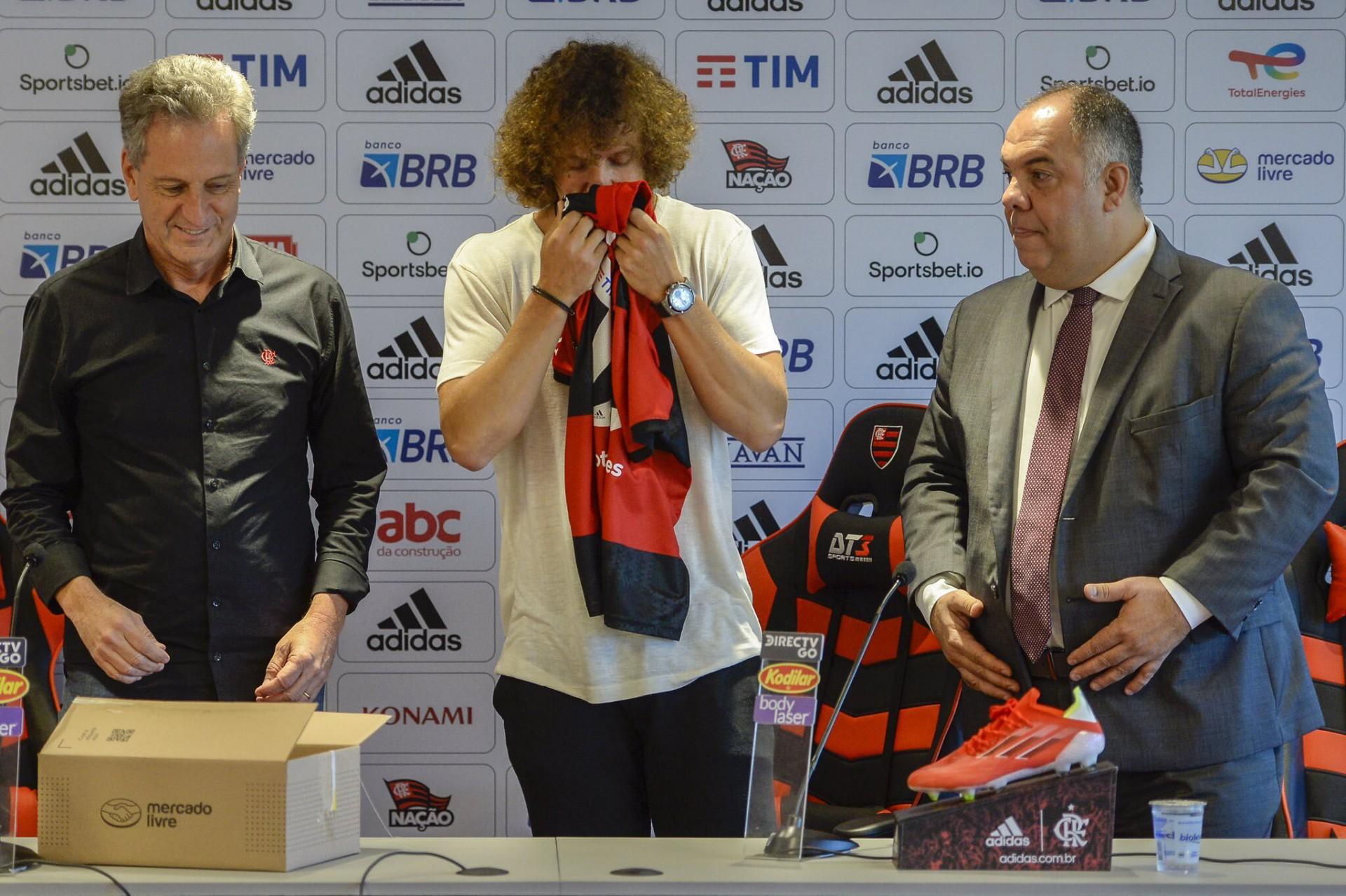 Apresentado pelo Flamengo, David Luiz fala sobre novos desafios em retorno ao Brasil: 'uma das melhores páginas que vou viver na minha carreira'