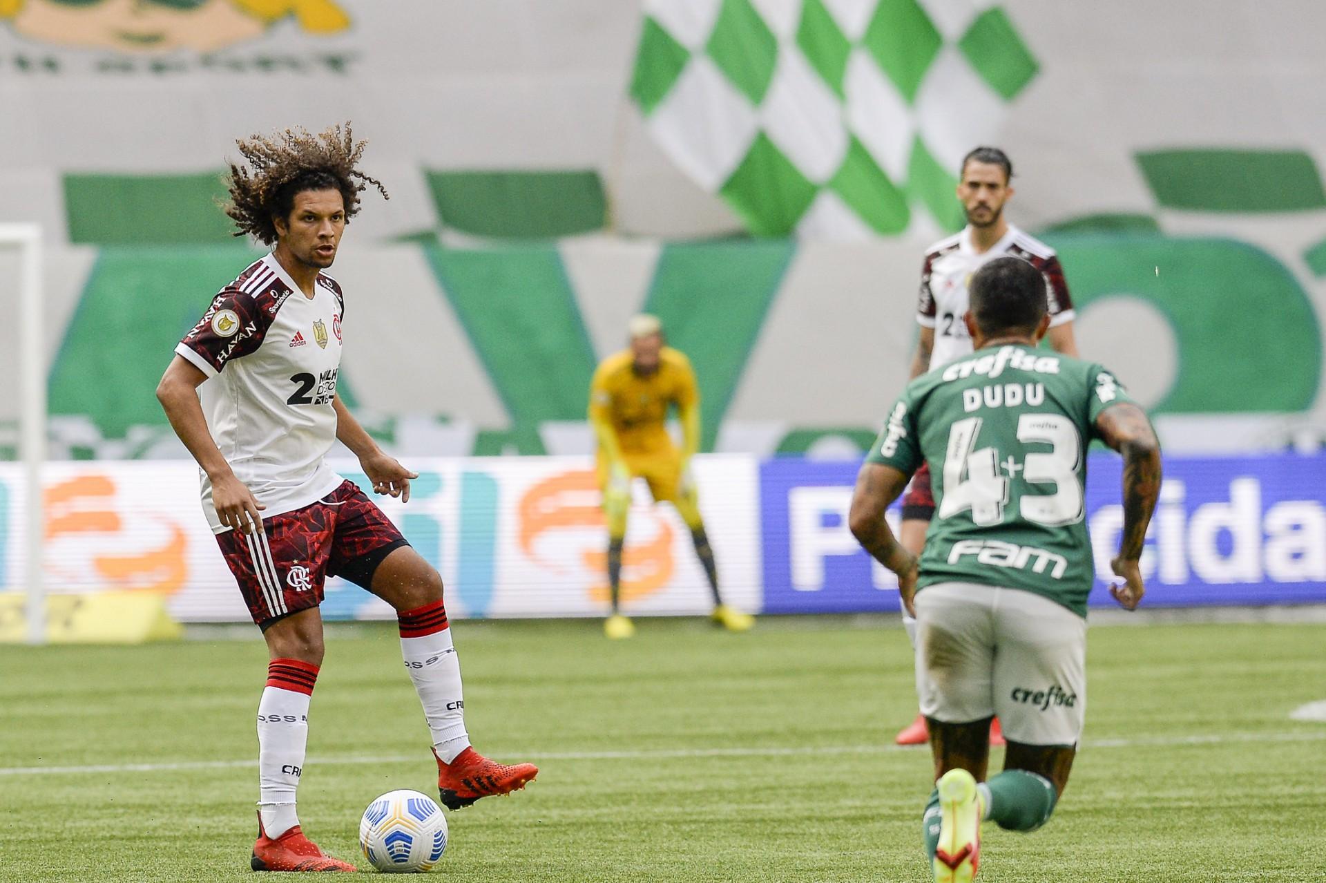 Antes da vitória, Arão motiva grupo do Flamengo e destaca: 'É o tricampeonato. Não é um jogo qualquer'
