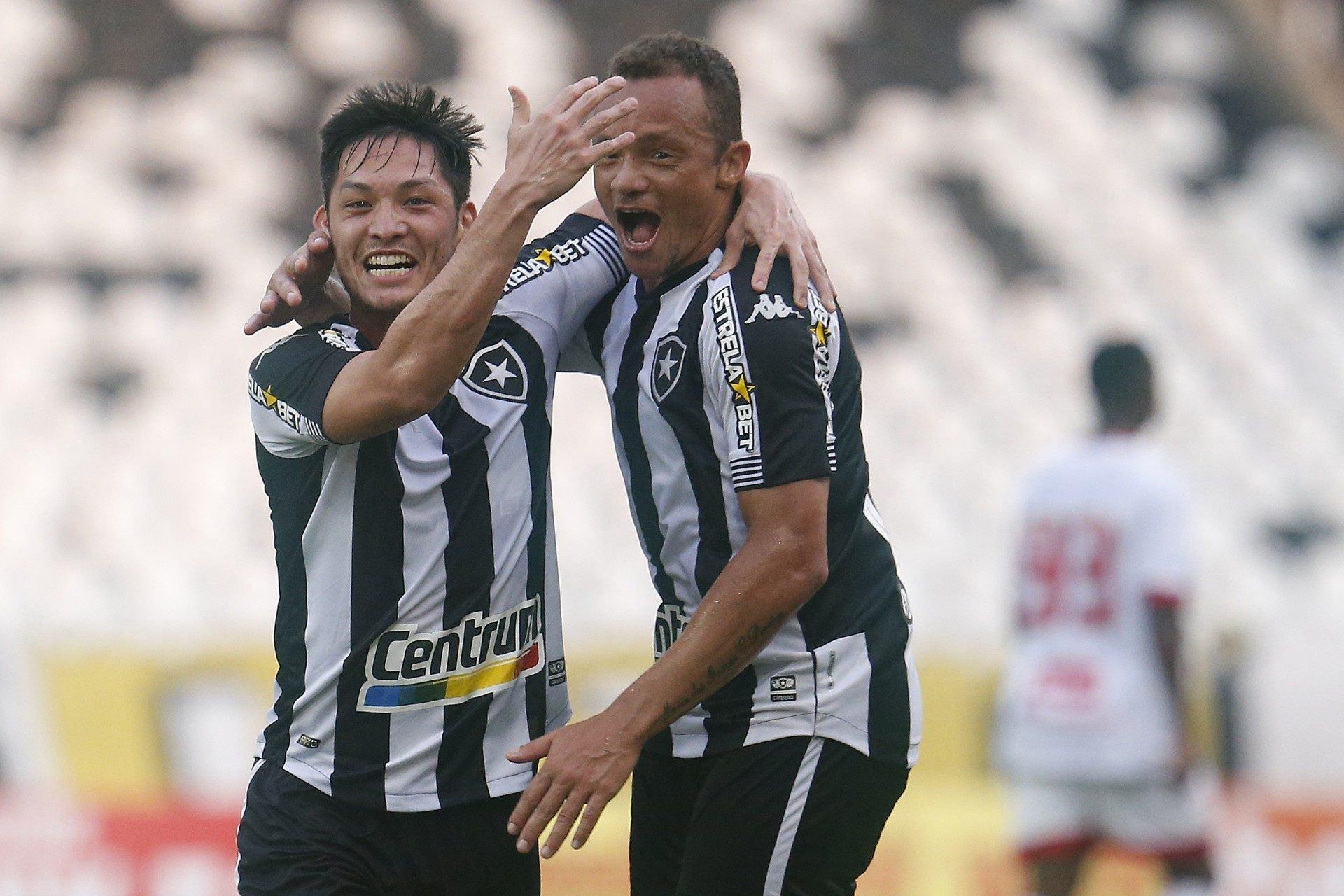 Botafogo bate o Náutico de virada e pode terminar rodada da Série B na vice-liderança