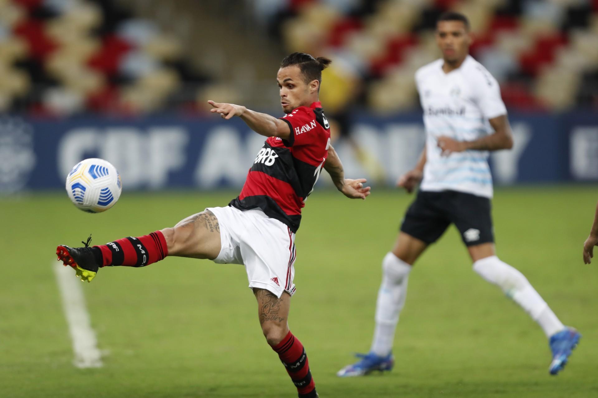 Derrota para o Grêmio reduz chances de título do Flamengo no Campeonato Brasileiro