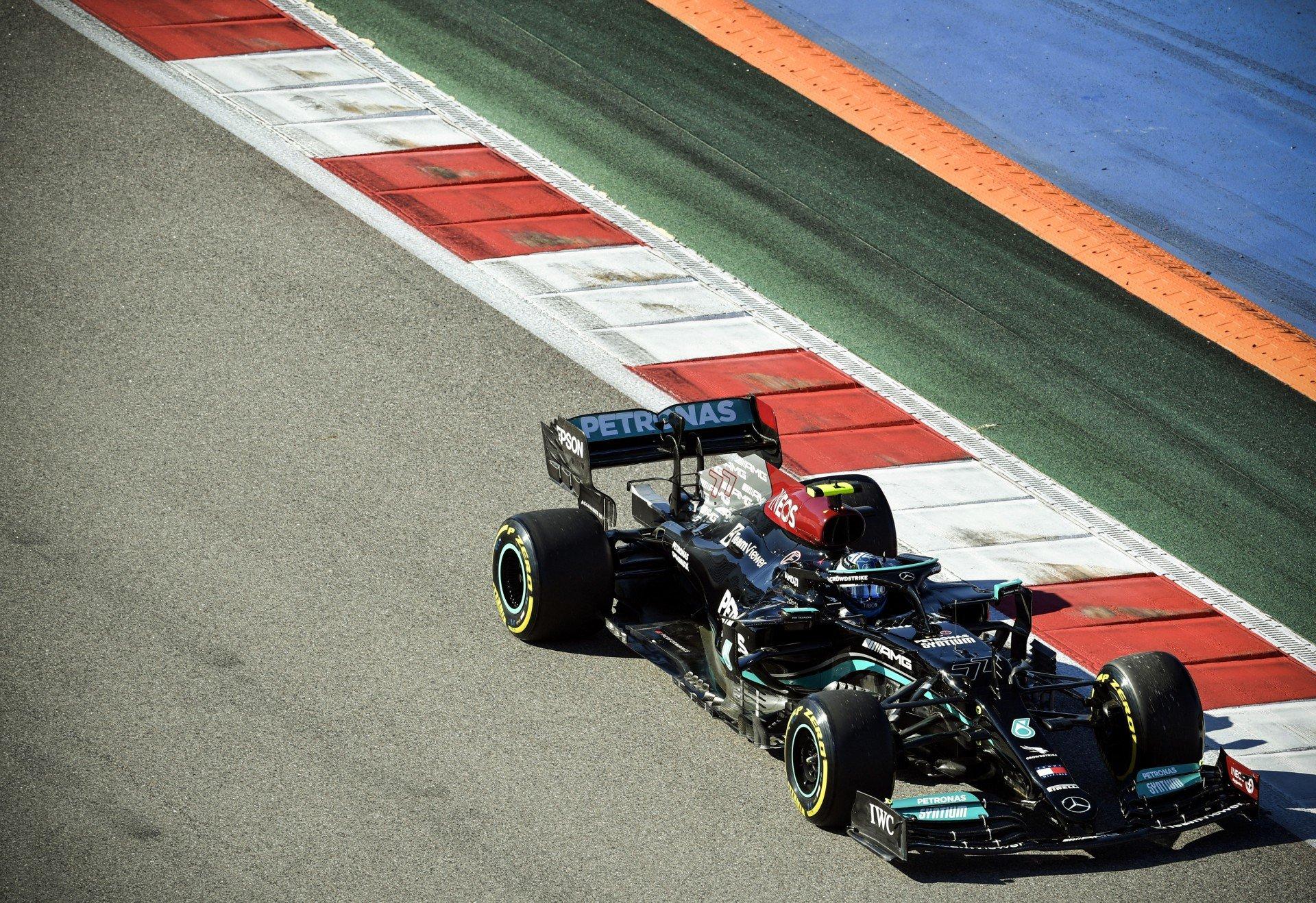 Mercedes domina e Bottas é o mais rápido nos treinos livres para o GP da Rússia