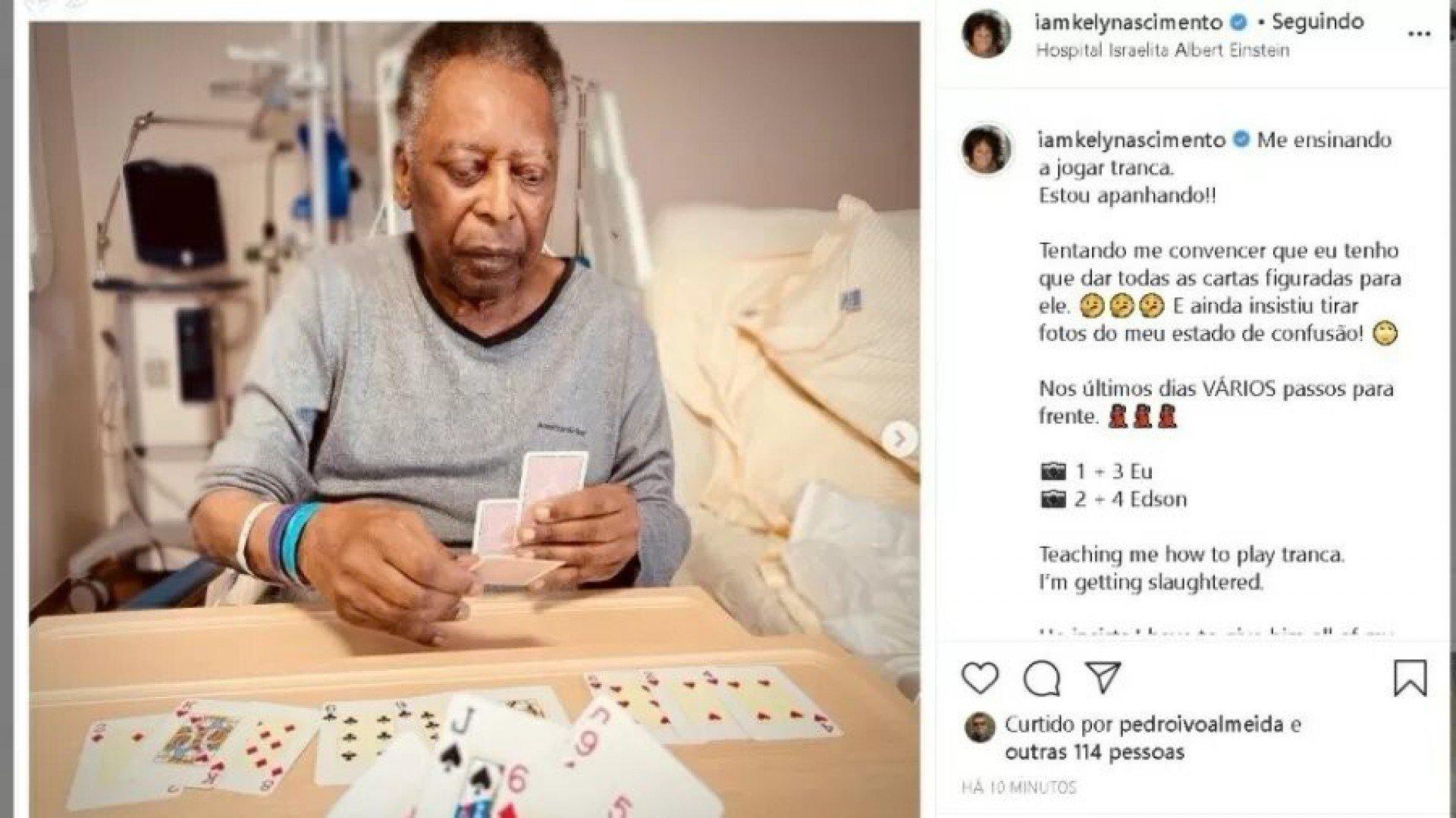 Filha de Pelé posta foto jogando cartas com pai no hospital e destaca: 'Vários passos pra frente'