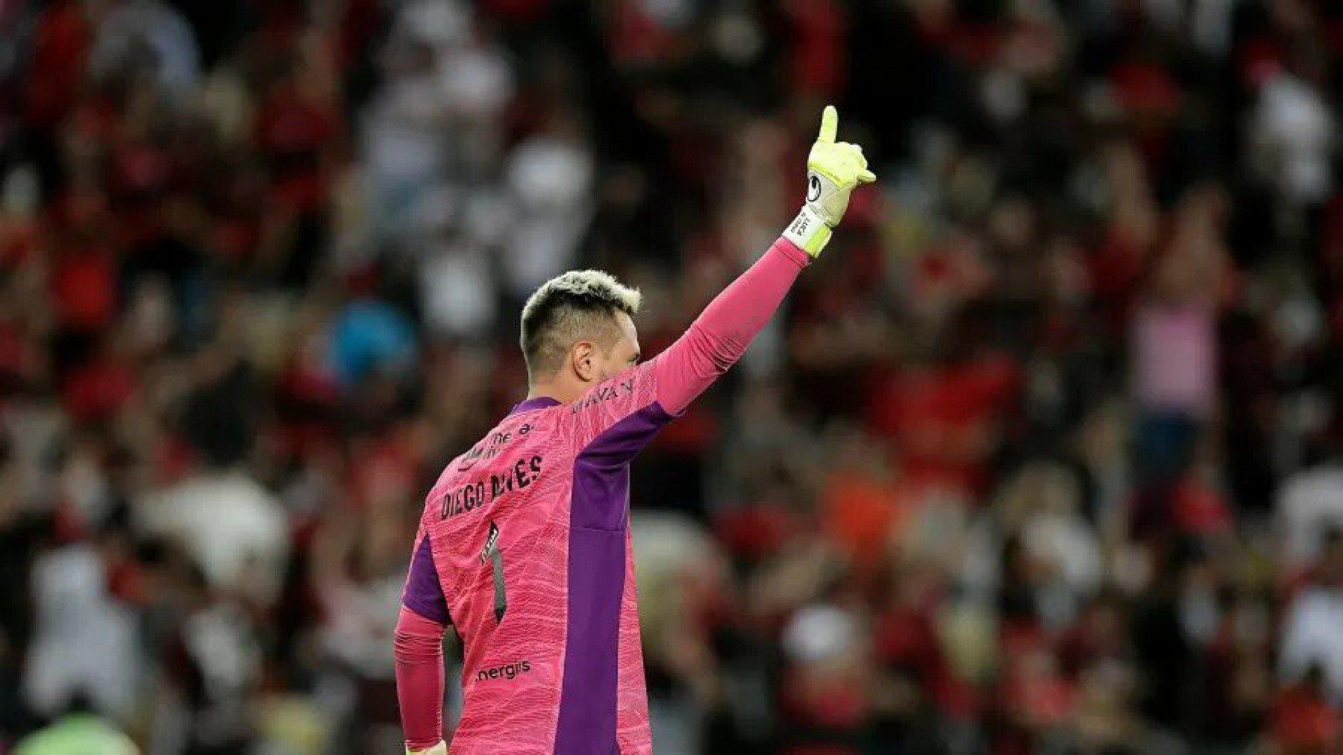 Conmebol elogia atuação de Diego Alves no Flamengo e destaca: 'Decisivo'