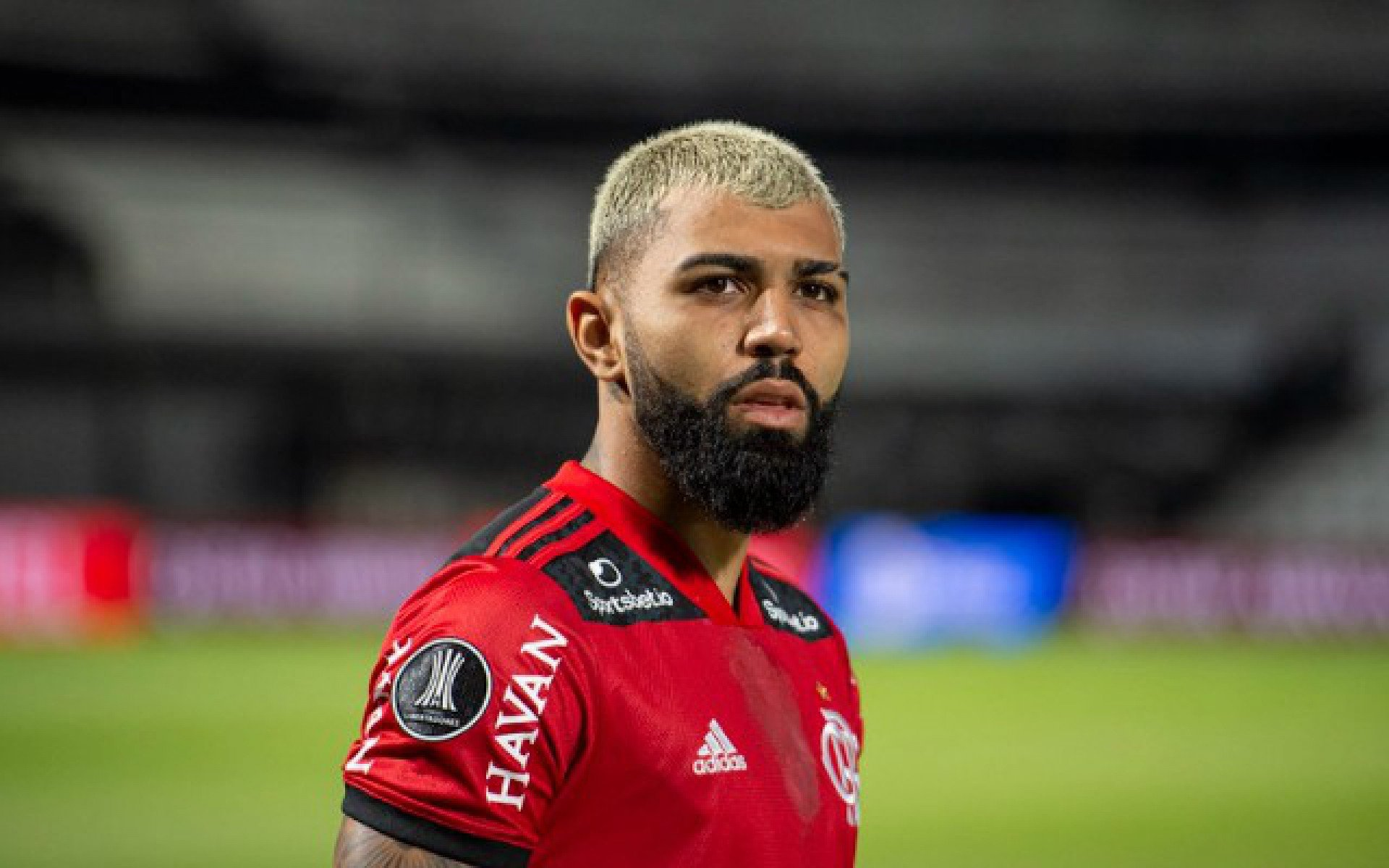 Ex-companheiro de Gabigol afirma que está na hora do atacante do Flamengo retornar à Europa: 'É o momento'