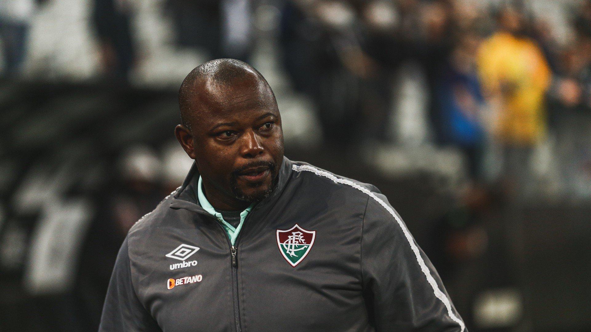 Marcão vê derrota no 'detalhe' e afirma que Fluminense teve controle do jogo contra o Corinthians