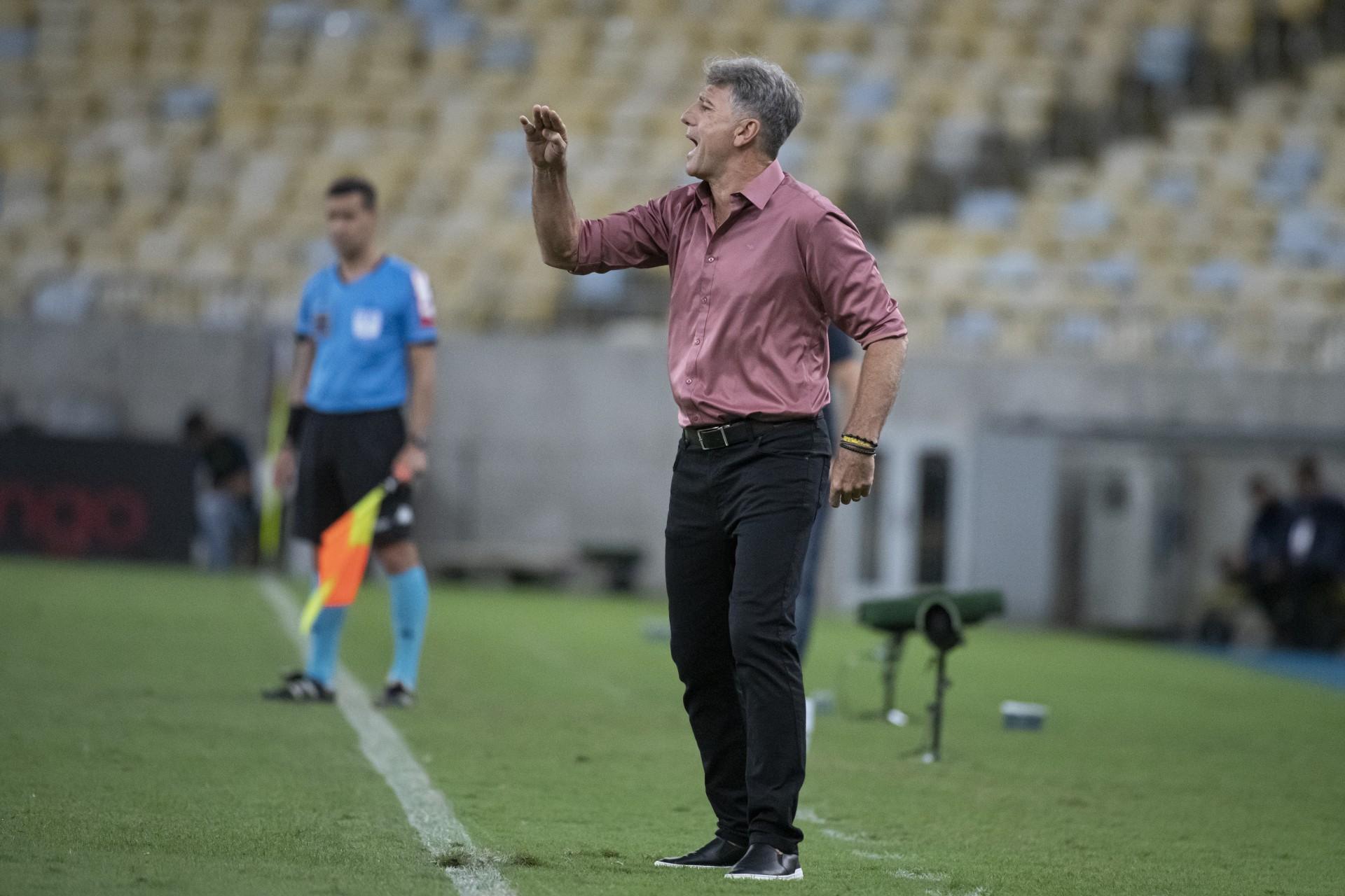 Renato Gaúcho revela que Gabigol passou mal e quase não entra em campo: 'Tomou remédio'