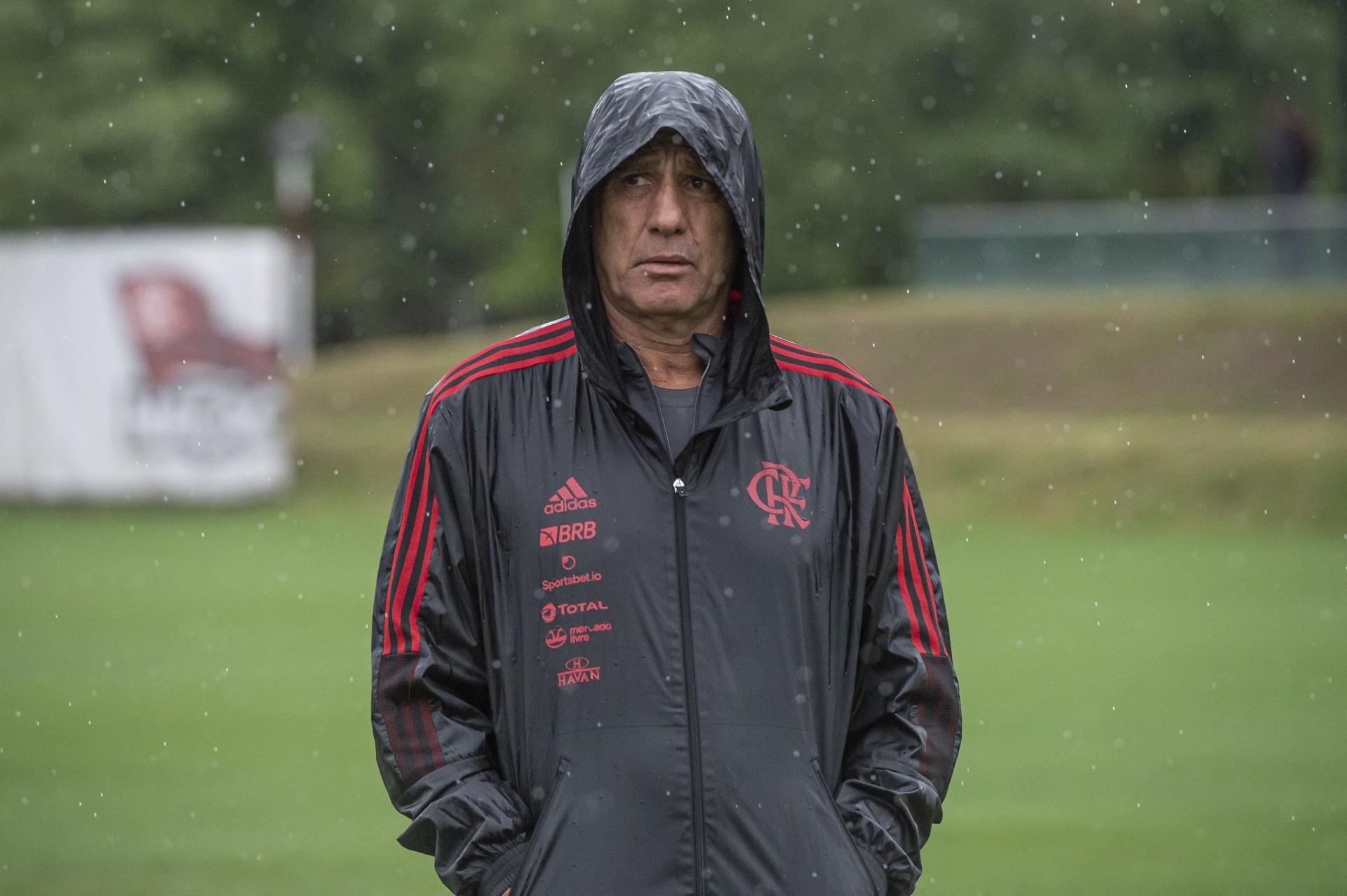 Renato esboça Flamengo para enfrentar o Fluminense pelo Campeonato Brasileiro