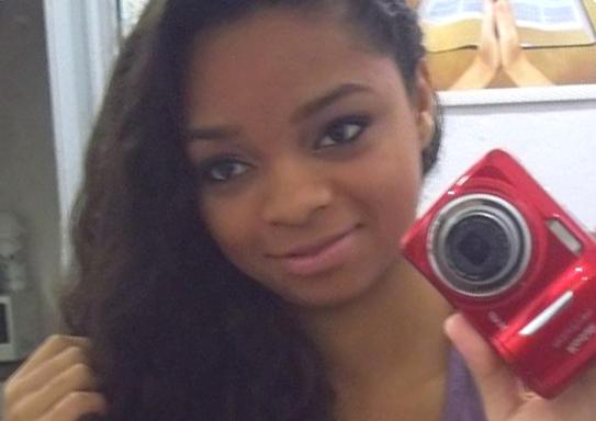 Karolayne Nunes de Almeida Alves, de 19 anos, foi baleada e perdeu o bebê