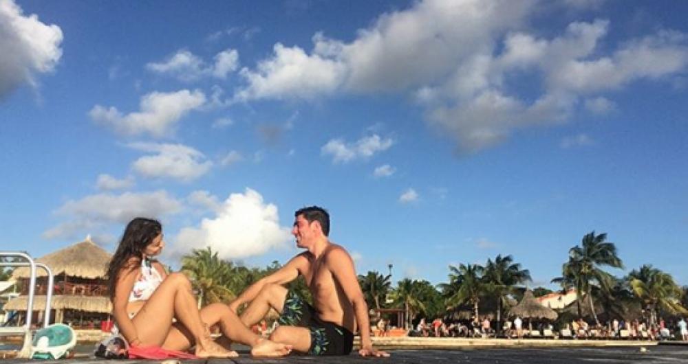 Marcelo Adnet e a namorada na Ilha de Cura�ao