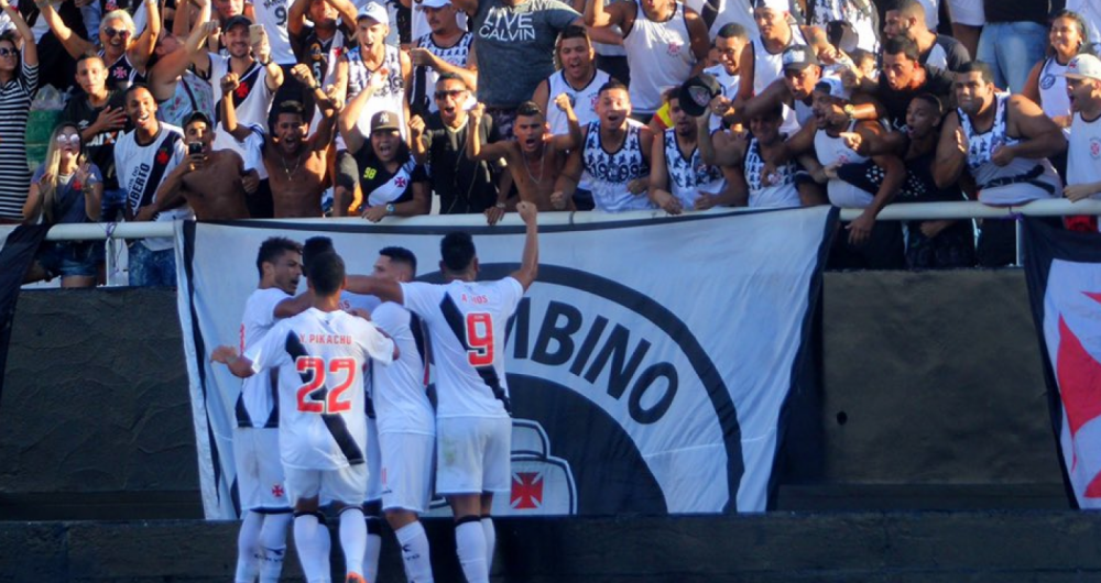 Vasco vence Botafogo no Nilton Santos