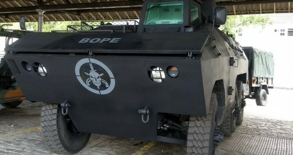 Exército entrega à Secretaria de Segurança veículos blindados
