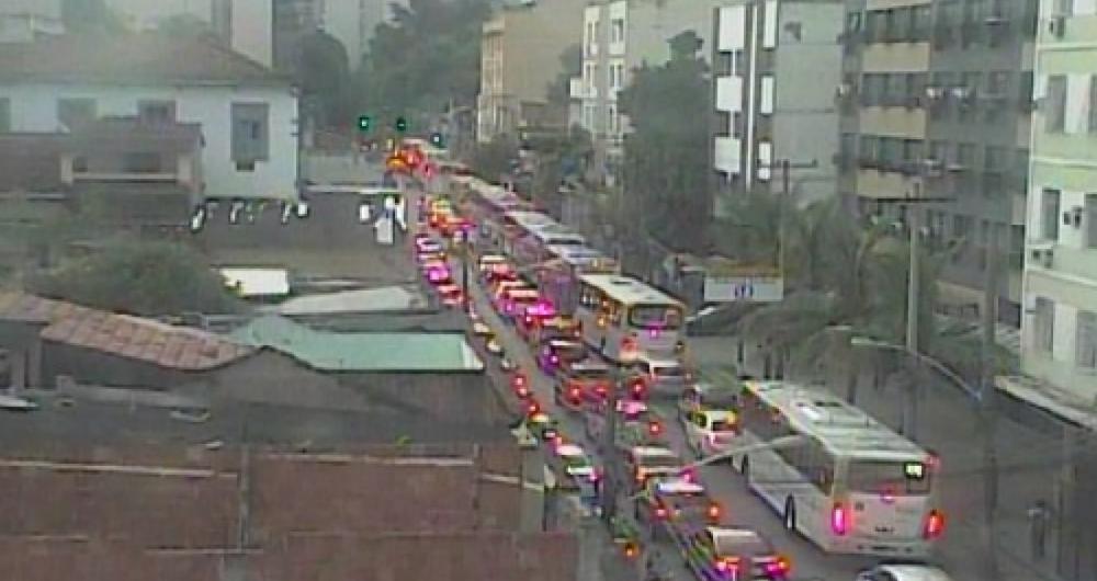 Trânsito ficou lento em trecho do Grajaú