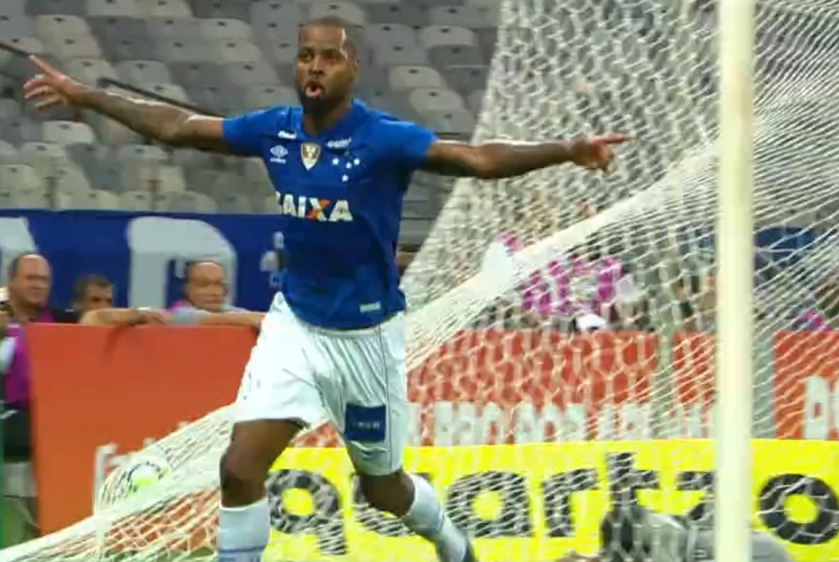 Dedé é um dos destaques do Cruzeiro