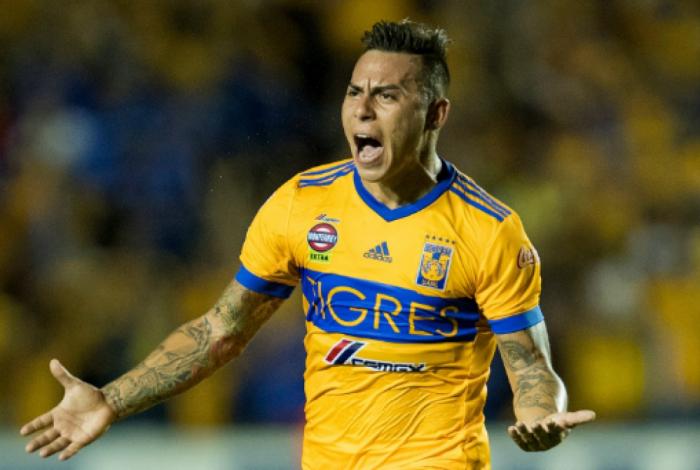 Flamengo está próximo de anunciar atacante Eduardo Vargas