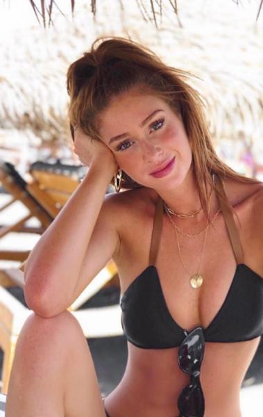 Marina Ruy Barbosa curte férias na Grécia