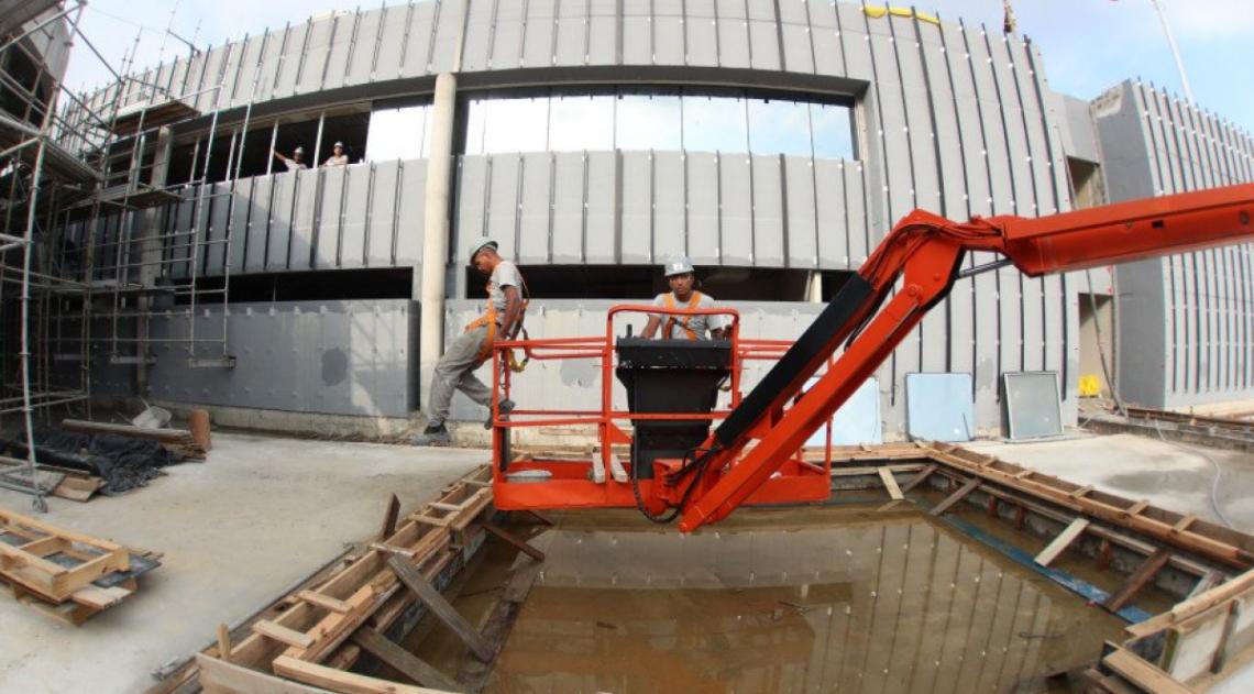 Flamengo divulga fotos de andamento de obra do novo Ninho do Urubu