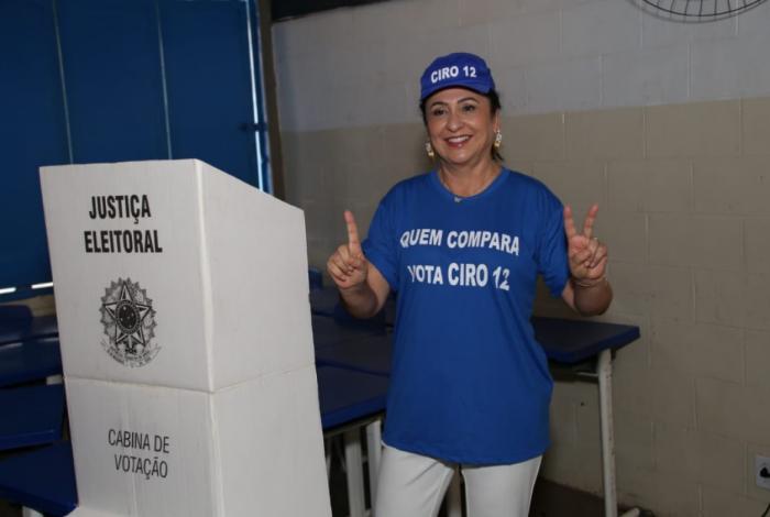 Kátia Abreu sugere que Haddad renuncie e Ciro o substitua no segundo turno