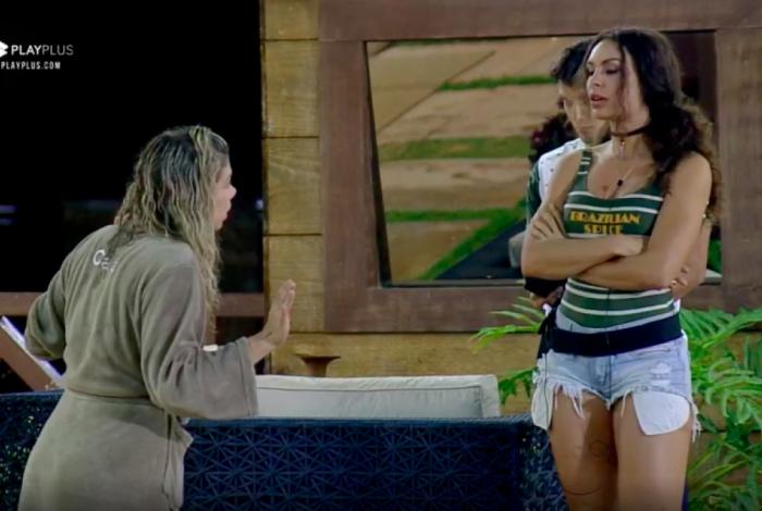 Cátia Paganote e Fernanda Lacerda discutem em 'A Fazenda'