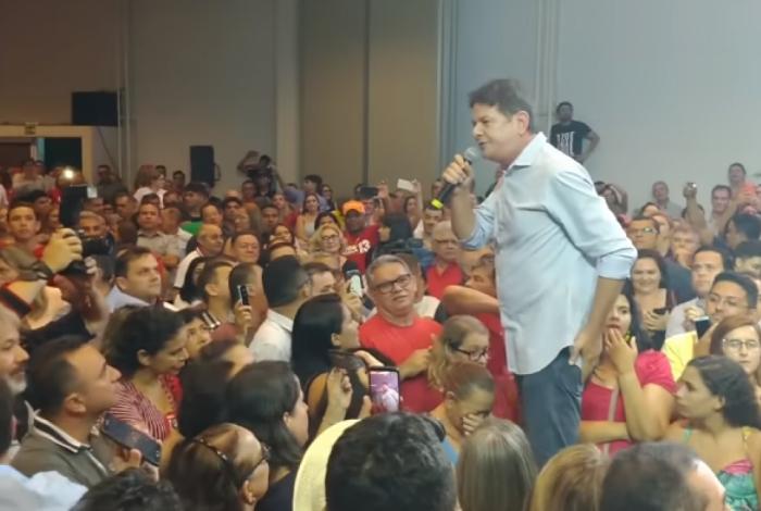 Cid Gomes se exaltou em ato a favor de Haddad realizado em Fortaleza