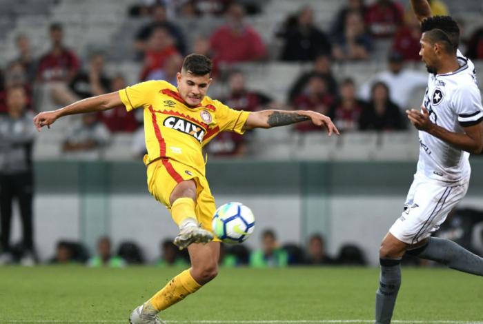 Botafogo perde para Atlético-PR