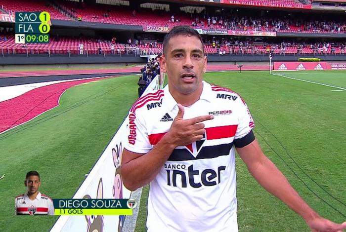 Diego Souza dedica gol a Bolsonaro