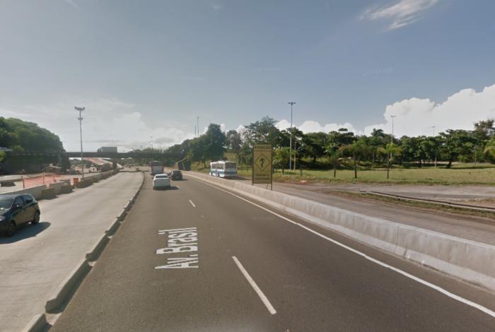 Avenida Brasil, altura do Trevo das Missões, em Cordovil