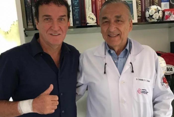 Cuca recebe alta após cirurgia