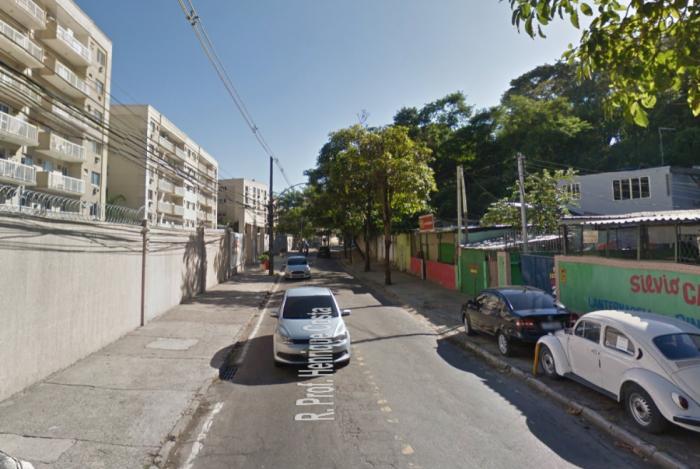 Rua Professor Henrique Costa, no Pechincha, Zona Oeste do Rio