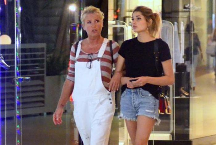 Xuxa Sasha vão às compras no Rio