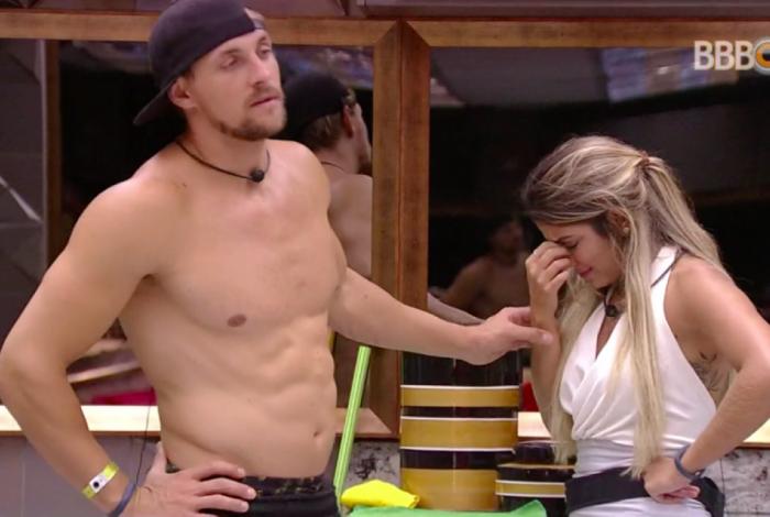 Diego e Hariany se desentendem após a festa, na madrugada desta quinta-feira