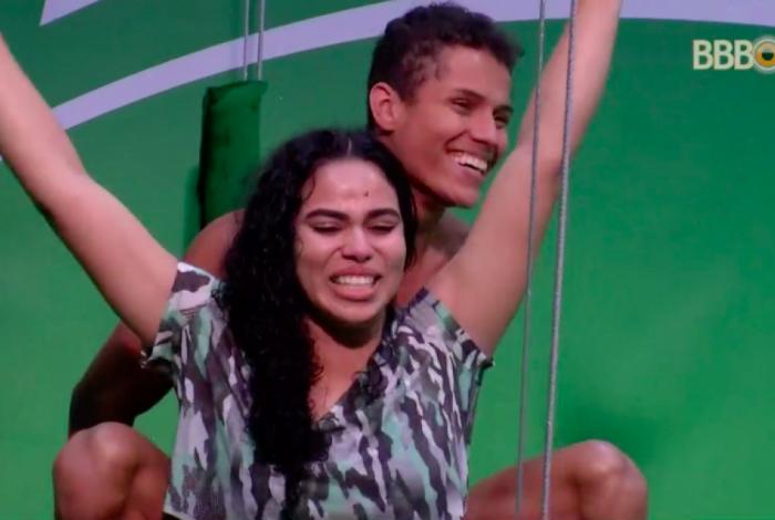 Após 13 horas, Elana e Danrley vencem prova de resistência e são os novos líderes do 'BBB 19'