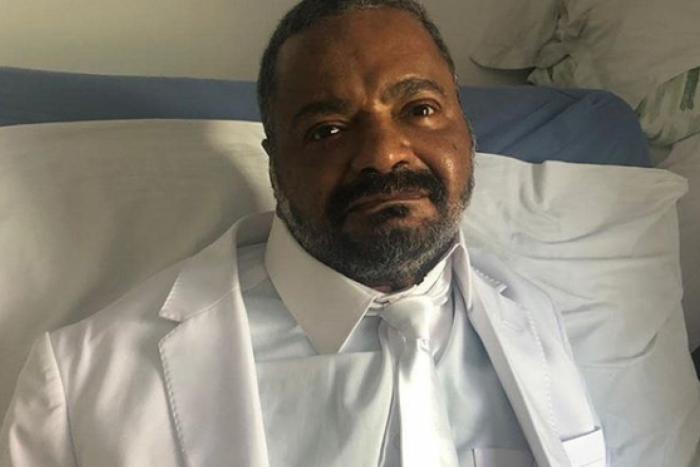 Arlindo Cruz se internou após problemas respiratórios e foi diagnosticado com pneumonia