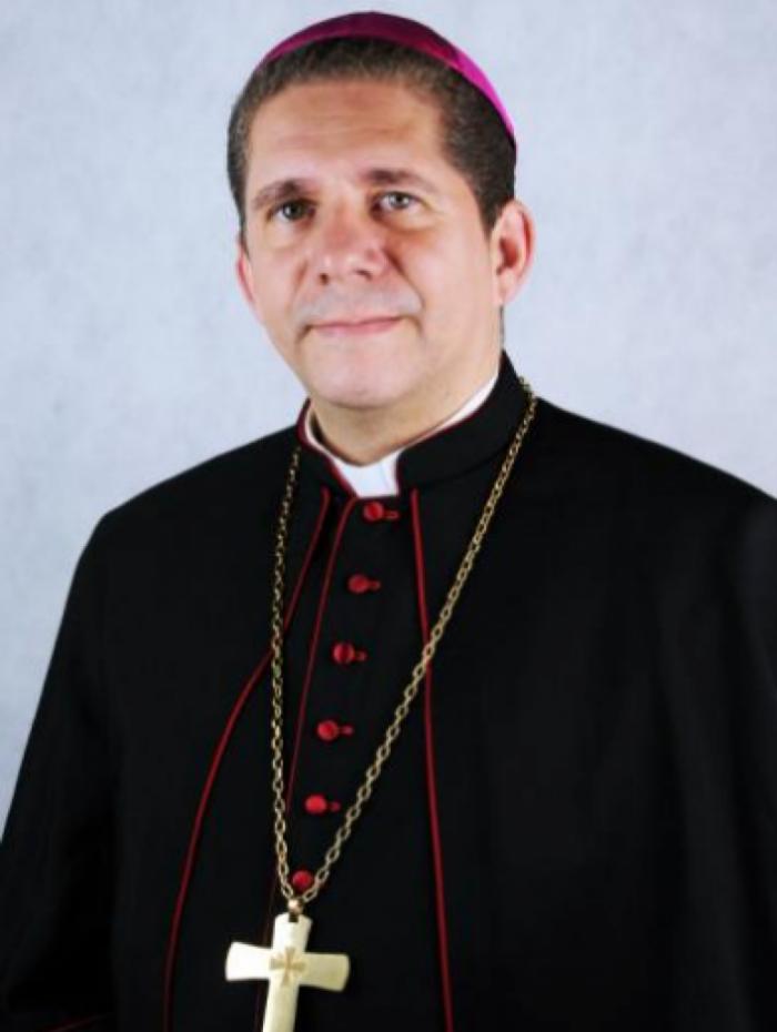 Dom Luiz Henrique da Silva Brito, que assumirá o posto de dom Biasin, é  atualmente bispo auxiliar da Arquidiocese do Rio de Janeiro