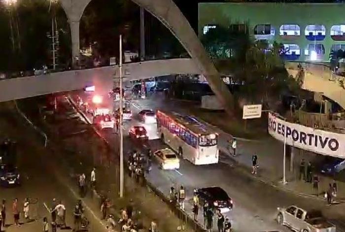 Autoestrada Lagoa-Barra é liberada após quase 2h de interdição