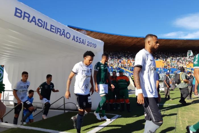 Botafogo enfrentou o Goiás fora de casa