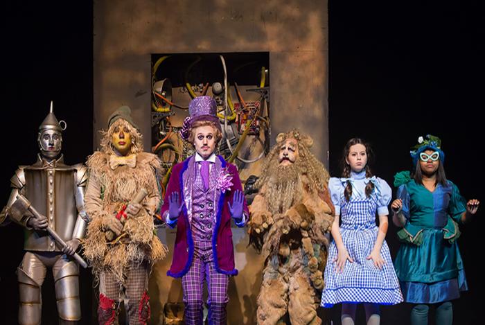 'O Mágico de Oz' é um dos musicais homenageados em 'Um Dia na Broadway'