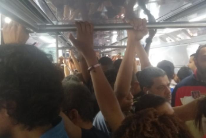 Trens chineses voltam a operar a partir da próxima segunda-feira