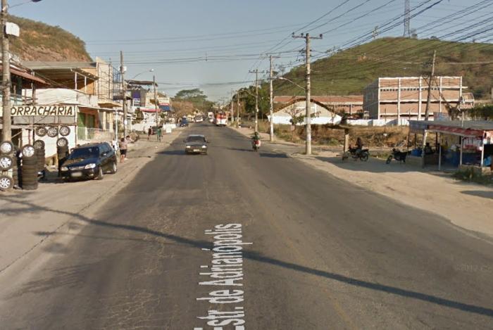 Estrada de Adrianópolis com Coronel Tinoco