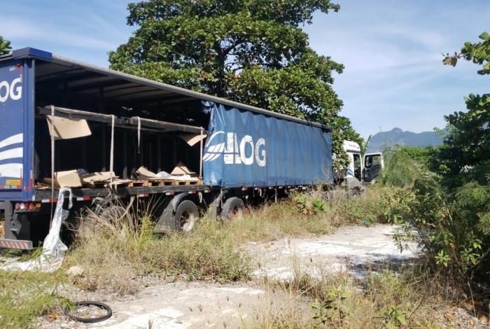 Carga com seis mil engradados de cerveja é recuperada no Caju