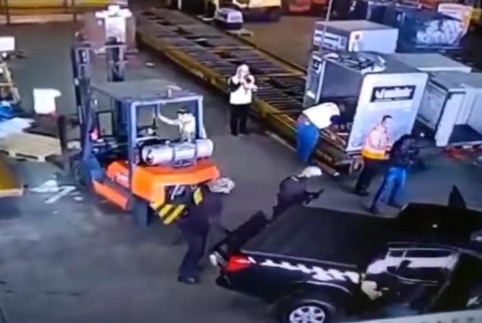 Carga de ouro foi roubada no aeroporto de Guarulhos, em São Paulo
