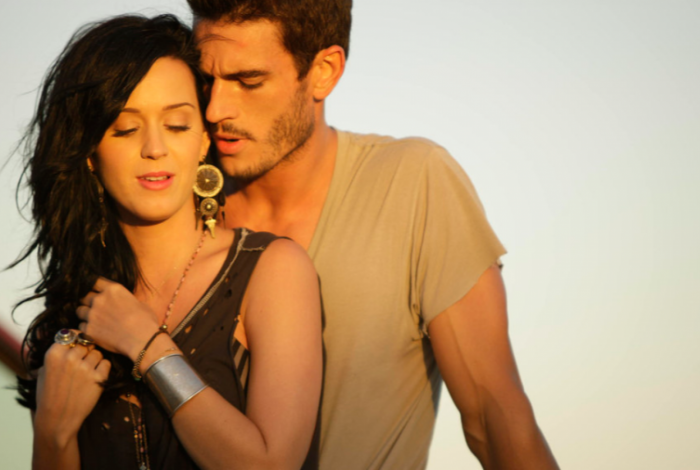 Katy Perry foi acusada de assédio por ator que participou de videoclipe